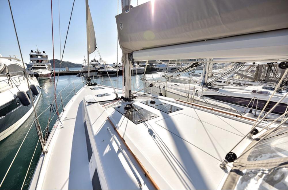 Hanse 508-on deck.jpg