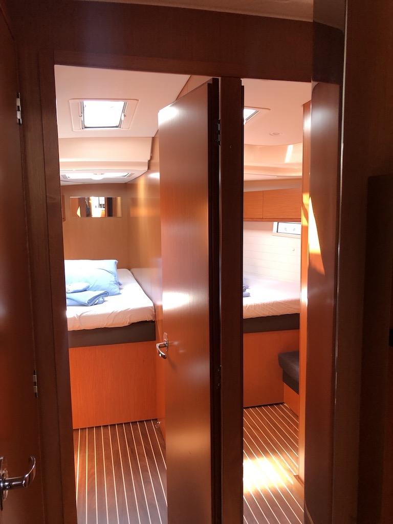 Bavaria Cruiser 51-Nanna fwd cabins.jpg