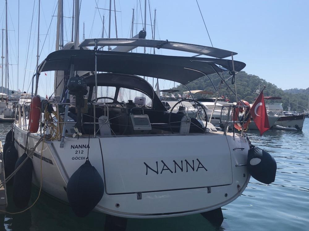 Bavaria Cruiser 51-Nanna transom(1).jpg