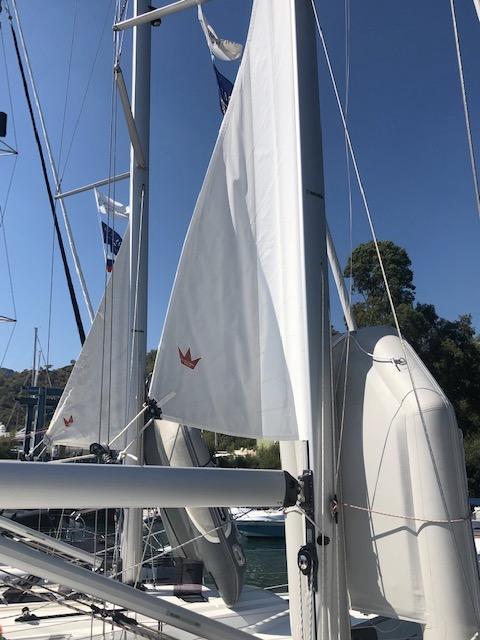 Bavaria 41-Cadenza main sail.jpg