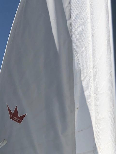 Bavaria 41-cadenza performance sail.jpg