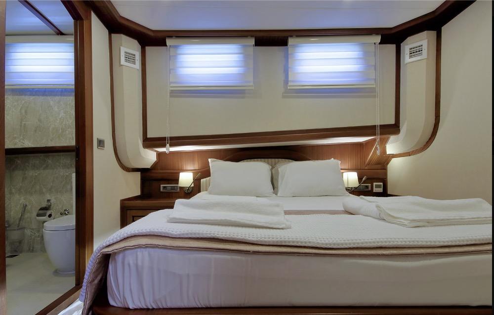 Deluxe Gulet-Double cabin 2.jpg