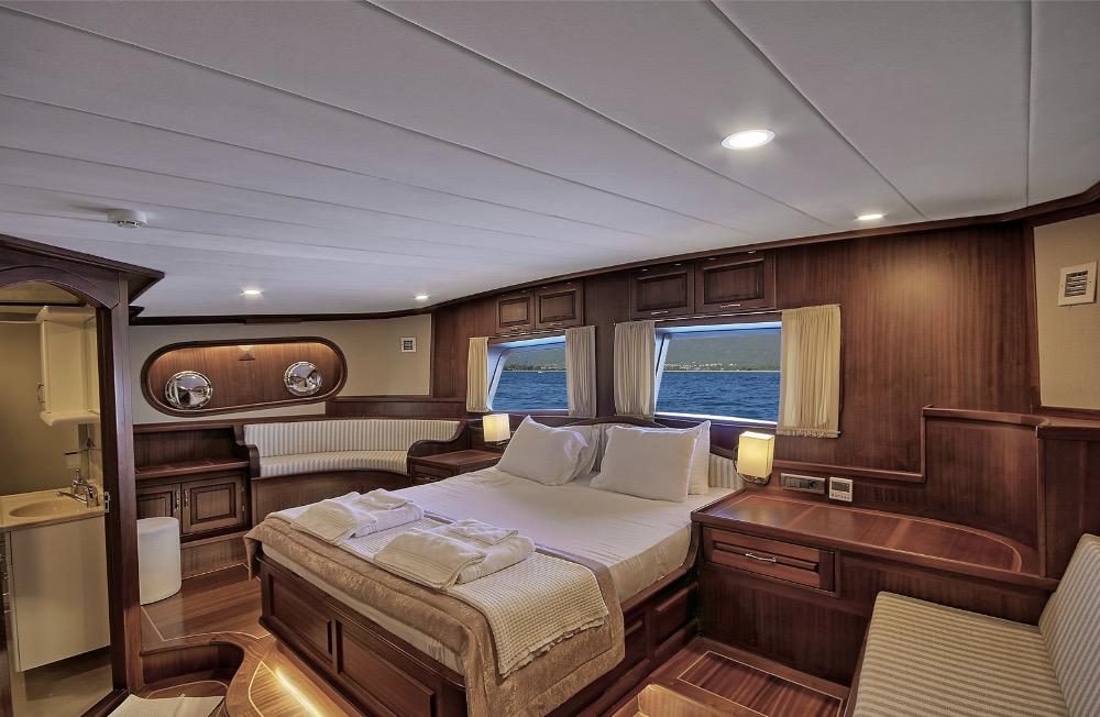 Deluxe Gulet-VIP Cabin.jpg